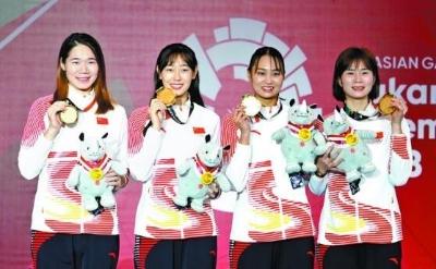 """""""奇兵""""许诚子为无锡夺首金 雅加达亚运会中国队获女子重剑团体冠军"""