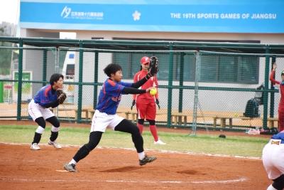 无锡垒球在省运会赛场上再显王者荣耀